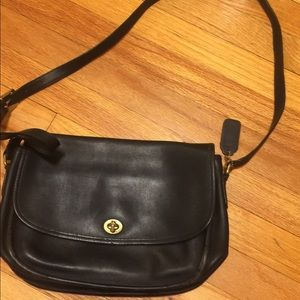 Black coach purse in great shape
